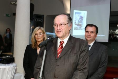 I. Blaškovičová, obch. riaditeľka vydavateľstva, Ing. P. Kňaze, CSc., člen prezídia SAVT, doc. Ing. S. Unčík, PhD., prodekan SvF STU